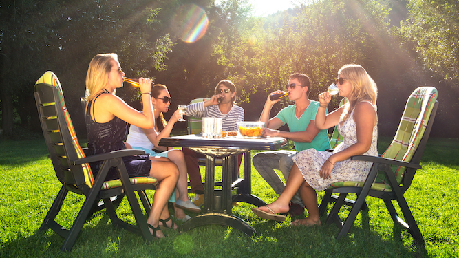 The ars*hole neighbour's guide to holding a garden party