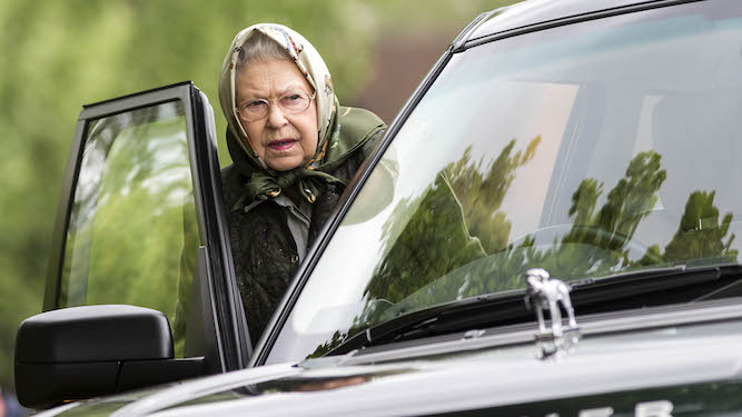 Queen to be put back on fixing trucks